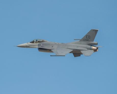 ▲洛克希德馬丁官網公布F-16家族最新成員F-16V的試飛照片,這架戰機其實為中華民國空軍所有。(圖/翻攝自洛克希德馬丁官網)