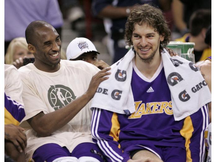 ▲Pau Gasol(右)回想在湖人與Kobe Bryant(左)並肩奮戰的時光。(圖/美聯社/達志影像)