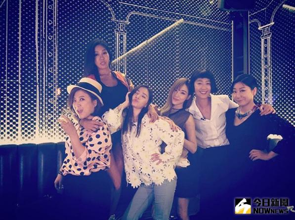 ▲《姐姐們的灌籃》節目成員感情極好,她們組成的女團「姐姐'S」也將在7月1日正式出道。(圖/翻攝自蒂芬妮IG)