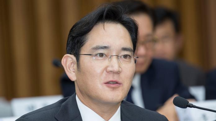 ▲韓國三星電子公司(Samsung Electronics)副會長李在鎔今年一月因行賄等罪名被判服刑兩年半。韓國聯合新聞通訊社今天報導,他昨晚因闌尾破裂,接受緊急手術。資料照。(圖/達志影像/美聯社)
