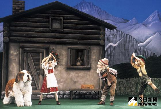 ▲人偶舞臺音樂劇「阿爾卑斯的小天使」,演出內容有趣、歡樂、溫馨感人,且具教育意涵。(圖/葫蘆墩文化中心提供)