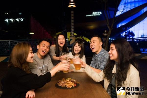▲香港海洋公園本周將登場的「Chill爽啤酒音樂夜」。(圖/香港海洋公園)