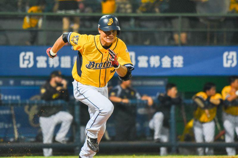 中職/<b>王勝偉</b>再度被下放二軍 本季只在一軍打30場