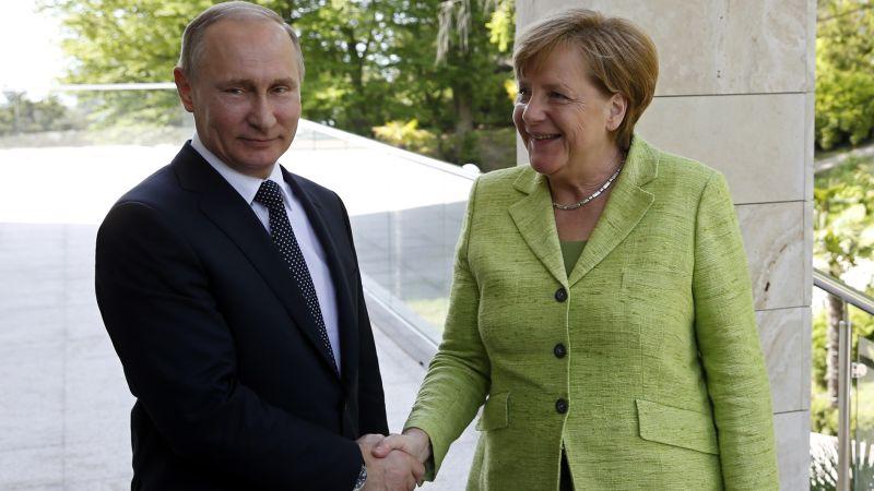 ▲德國總理梅克爾2日造訪俄羅斯黑海度假勝地索契,與俄國總統普亭進行會晤。(圖/達志影像/美聯社)