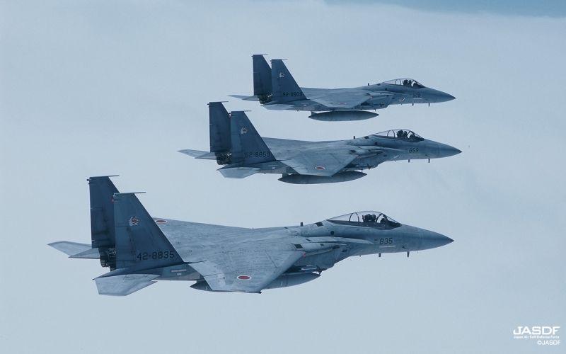 ▲日本安倍政府計劃修改憲法,解決自衛隊違憲的爭議。圖為航空自衛隊F-15J戰機。(圖/日本航空自衛隊)