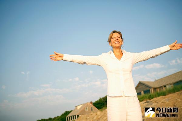 ▲葉金隆醫師認為,只要重新啟動正確的療法,就可順利走出乾癬困境,贏得自己應有的人生。(圖/ingimage)