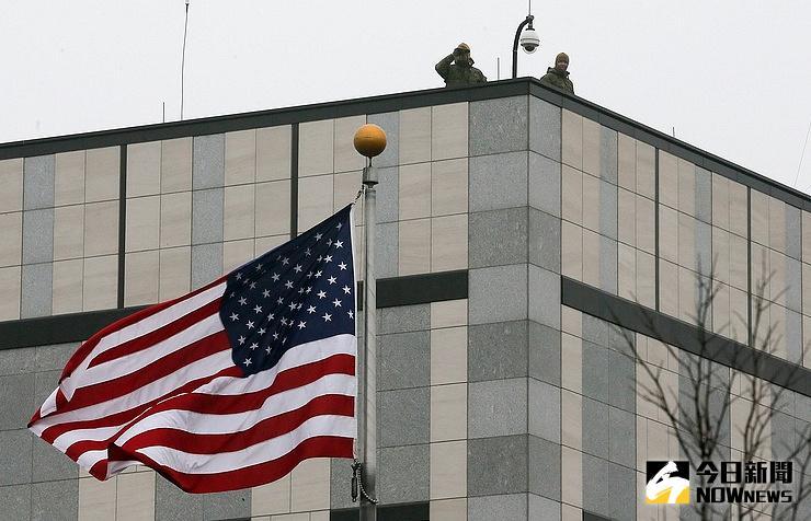 ▲美國駐烏克蘭大使館8日遭遇爆炸攻擊,目前尚未發現有人員傷亡。(圖/翻攝自俄塔社http://tass.com/)
