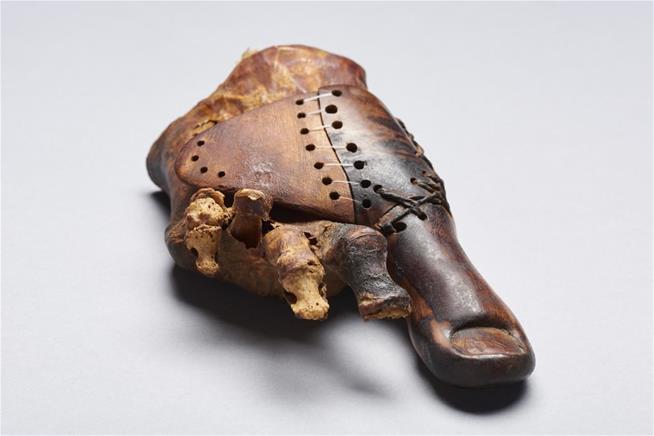 ▲歷史已經超過三千年的腳趾義肢,製作上不僅精美,也反映出古埃及文明的高度醫療與工藝水平。(圖/翻攝自Newser)