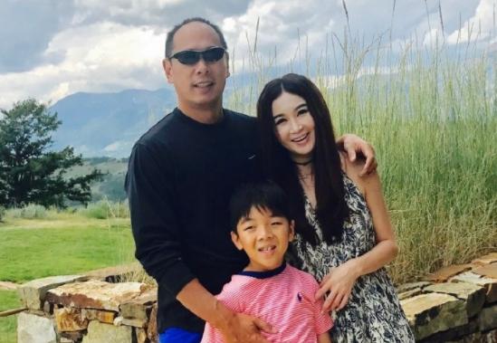 <b>溫碧霞</b>51歲生日神復合富商尪 甜曬家庭照放閃