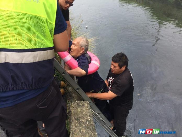 河岸設有救生圈 成功救人再添一樁