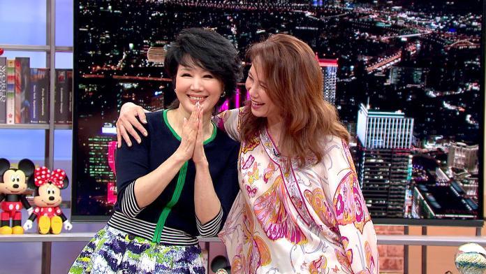 ▲馬世莉(左)跟周丹薇一起上《小燕有約》。(圖/TVBS提供 , 2017.07.28)