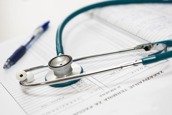 ▲衛福部強調降低住院醫師工時,保障醫療品質與安全。(圖/翻攝自Pixabay)