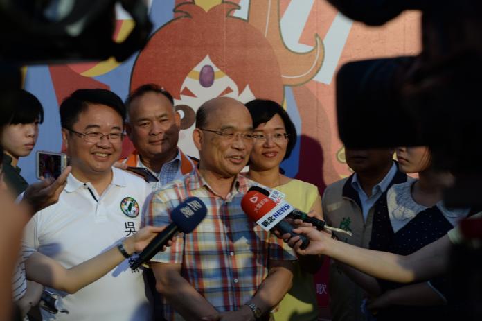 前行政院長蘇貞昌認為,如台南市長賴清德不來選,應該給年輕人機會,立委吳秉叡是適合的人選。(圖/立委蘇巧慧辦公室提供)
