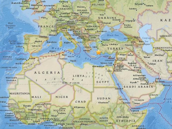 土耳其西南岸外海今\\(21\\)日當地時間凌晨發生規模6.7強震,可能引發海嘯。(圖/翻攝自美國地質調查所網站)