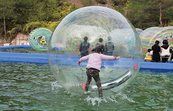 ▲2017 河岸童樂會推出多項親水活動,開放網路報名即秒殺。(圖/翻攝自活動官網)