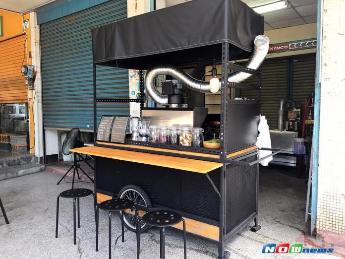 影/手工打造餐車 清涼消暑<b>黑豆茶</b>