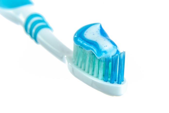牙膏竟<b>長蟲</b> 網:「表示用料天然?」