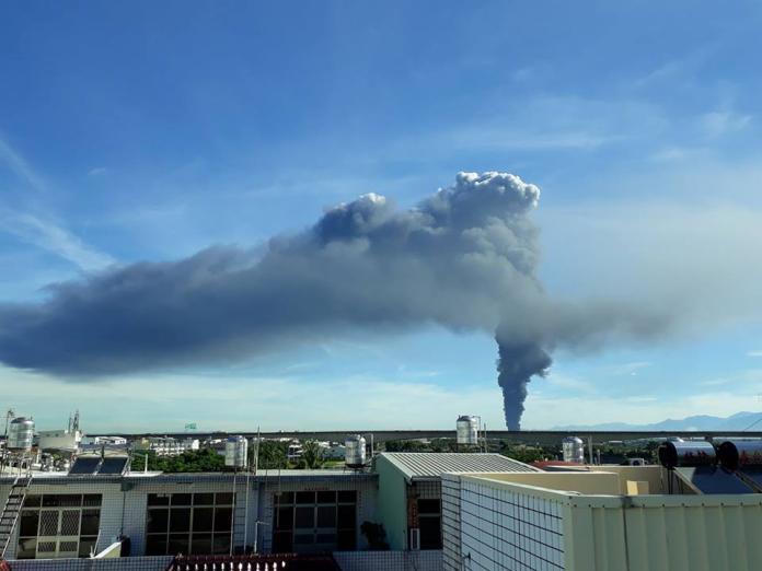 萬丹大火竟是違法工廠 環保局將罰空汙