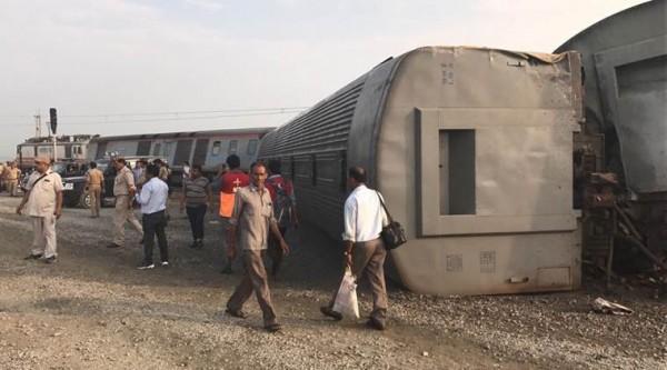 ▲印度在23日竟然又傳出列車出軌意外。(圖/翻攝自印度快報)