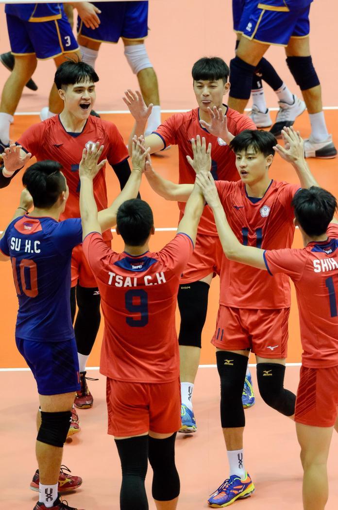 中華男排得分後慶祝。(圖/世大運官方提供)