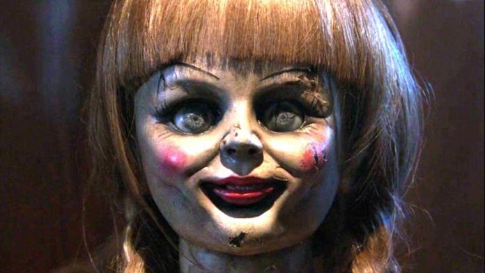 ▲馬來西亞日前祭出鬼娃娃安娜貝爾,希望制止民眾缺乏公德心的行為。(圖/翻攝自網路)