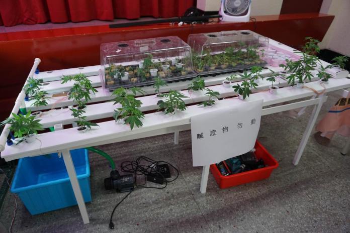宜蘭警方破獲大麻工廠 嫌犯利用豪華農舍<b>溫室</b>種植