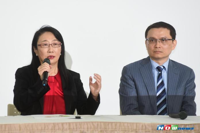 ▲HTC宏達電今( 21 )日宣布與 Google 結盟,HTC董事長王雪紅(左)與宏達電智慧手機暨物聯網總經理張嘉臨。(圖/記者陳明安攝,2017.09.21)