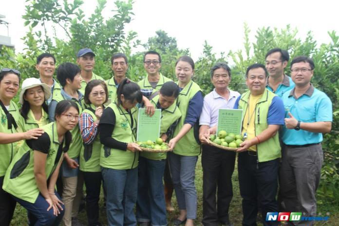 ▲全台灣唯一有機檸檬產銷班,在4年多的努力後,終於推出自有品牌「吉鄉」,讓所有農友們都相當開心(圖/記者鄭志宏攝,2017.09.18)
