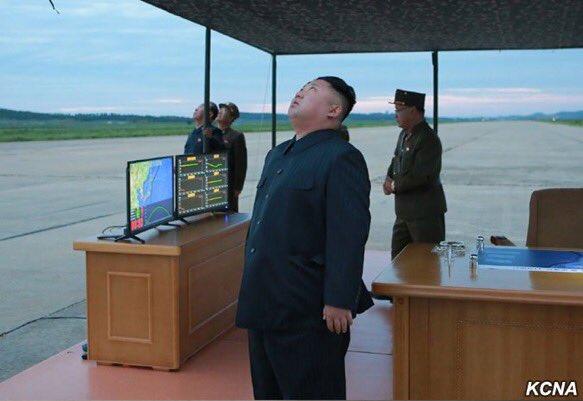 ▲北韓15日清晨再度發射飛彈飛越日本北海道上空,再度讓日本民眾感受到北韓這個危險鄰居的威脅。(圖/朝中社 )