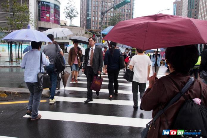 雙颱將接力生成?北台灣溼冷降溫近10度