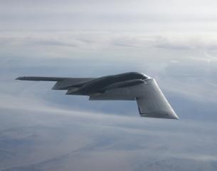 ▲美軍B-2隱形轟炸機是目前最貴的軍機。〔圖/美國空軍〕
