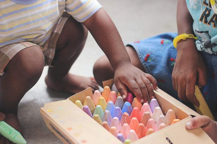 ▲扯!4歲男童性侵女同學,用手指、蠟筆硬插下體。(示意圖/翻攝自pixabay)