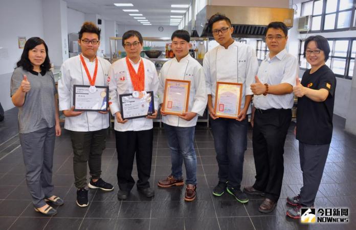 中州科大餐廚師徒聯手 勇奪國際烹飪藝術賽二銀三銅