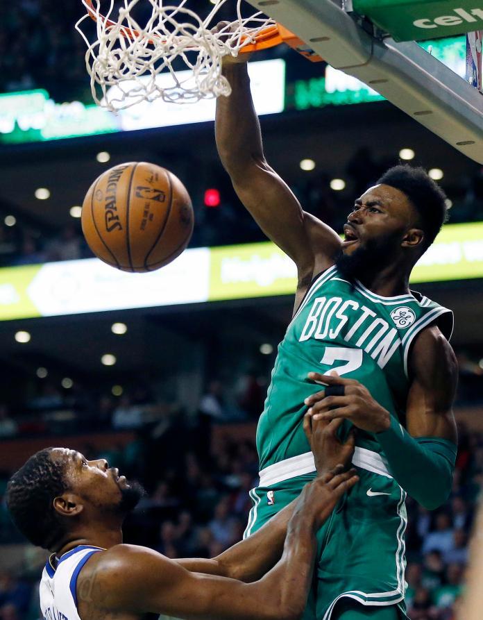 NBA/「杰倫」發威狂砍30分 綠衫軍擊退暴龍<b>聖誕</b>開胡