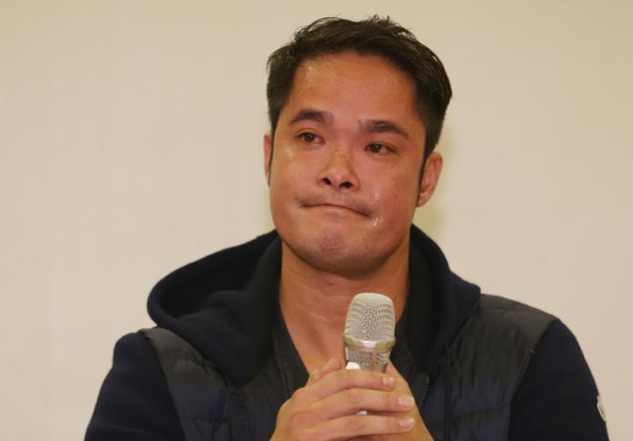 ▲中信兄弟隊球員林智勝8日在台北出席記者會,針對媒體報導內容作出回應,講到激動處,一度落淚。中央社記者張新偉攝106年11月8日