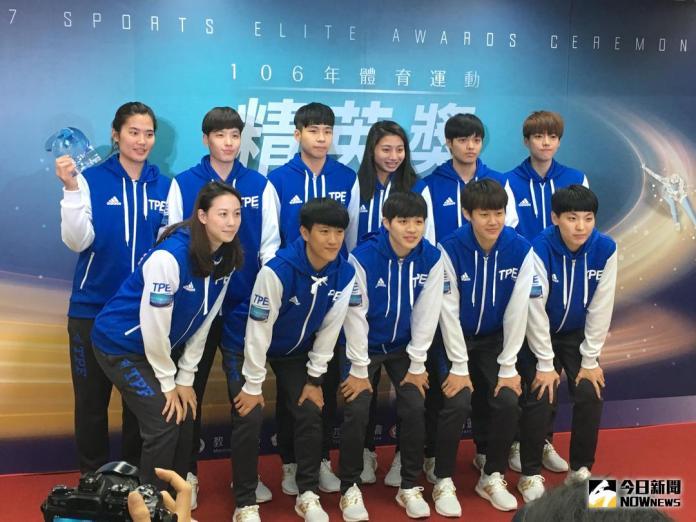 菁英獎/「最佳團隊傑出獎」世大運女籃獲獎大跳<b>抖肩舞</b>