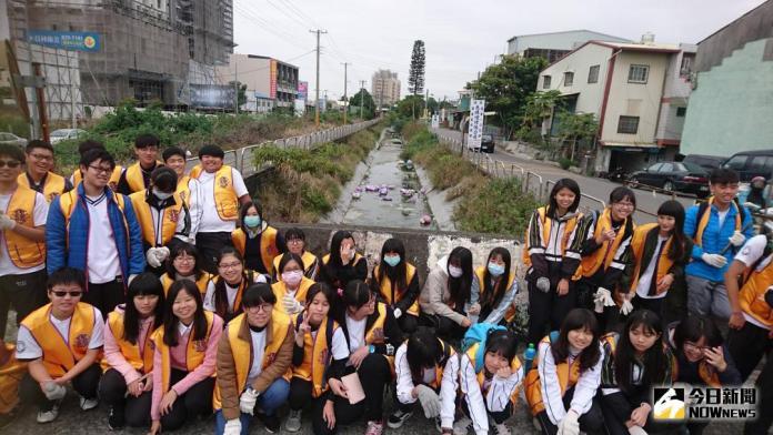 影/員林高中青少獅動員 整理運動公園及八堡圳周邊環境