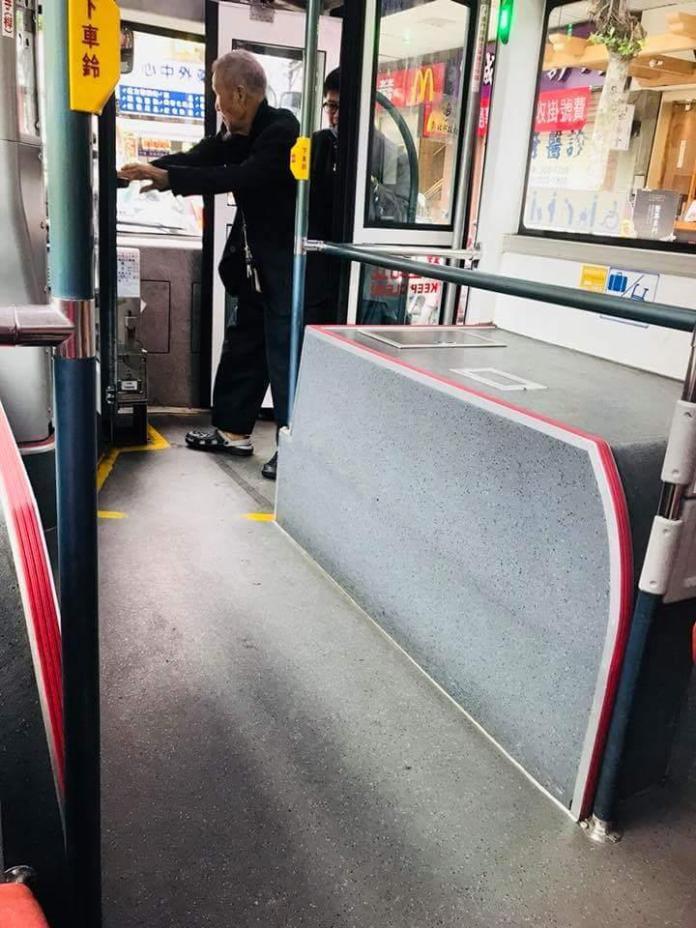 史上最暖心!公車司機這些舉動 讓網友淚崩了