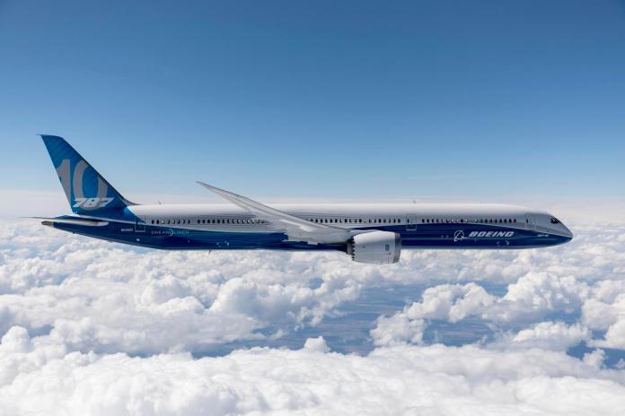▲新一代787-10夢幻客機已獲得美國聯邦航空總署(FAA)頒發的修訂版型別檢定證書(ATC),最快今年就可以正式投入商業營運。(圖/波音公司)
