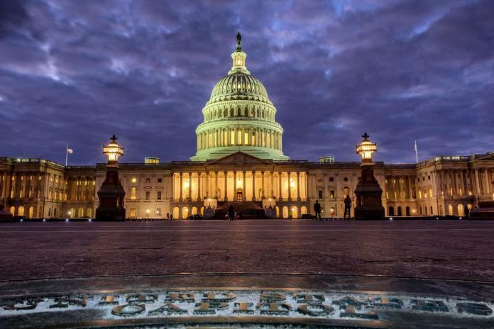 美參眾兩院通過臨時撥款法案 <b>聯邦政府</b>可望重新開張
