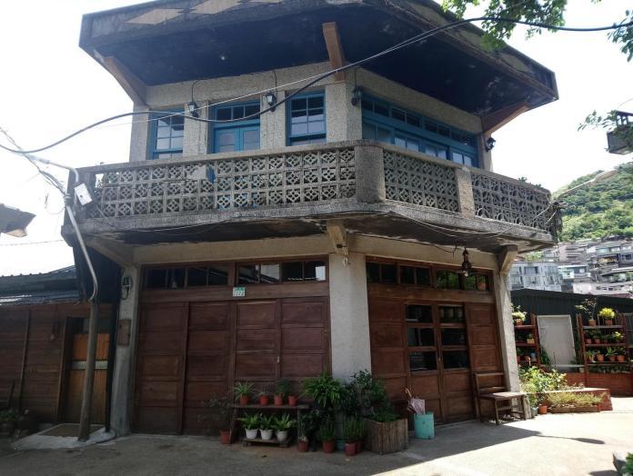 ▲曾經是金瓜石居民辦年貨和採購生活必需品的「金德發商號」,現已成為一家特色的咖啡店。(黃金博物館提供)