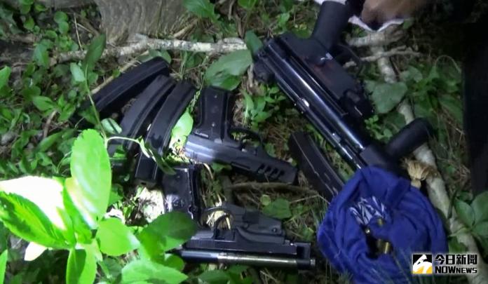 假藉行車糾紛索賠 中市警破<b>暴力集團</b>起出長短槍枝百子彈