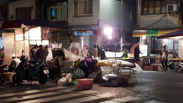 ▲夜市攤販。(圖/取自臉書社團 爆怨公社)