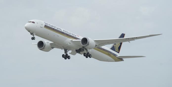 影/首架商用787-10試飛完成 3月<b>交付</b>新加坡航空