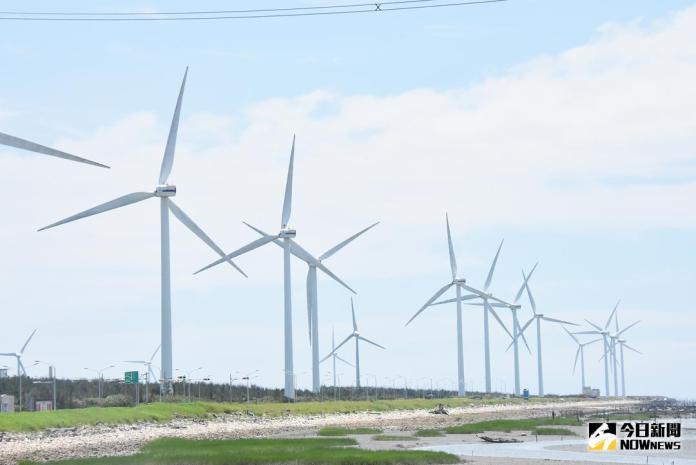 ▲彰化縣府推動風光發電綠能產業,縣長魏明谷說,風機市場非常有潛力,初估產值有580億規模。(圖/記者陳雅芳攝,2018.03.01)