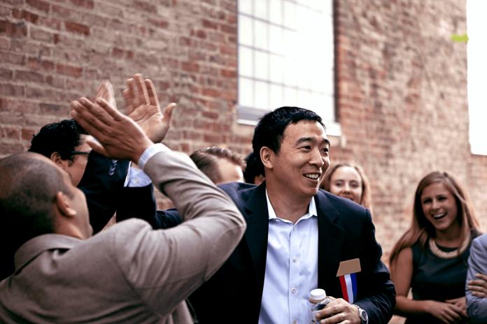 ▲台灣移民二代楊安澤宣布參選2020年美國總統。(圖/取自《Andrew