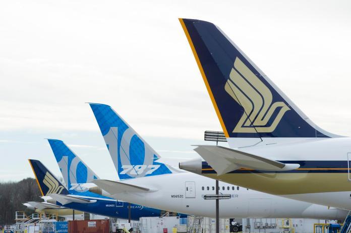▲全世界第一架波音 787-10 夢幻客機正式交付新加坡航空,預計於 4 月正式展開商業營運。(圖/新加坡航空)