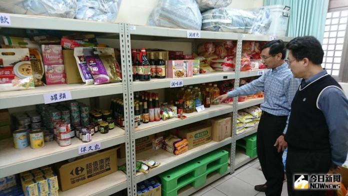 食物銀行送暖<b>弱勢學生</b>不間斷 日月光中壢廠定期捐贈物資