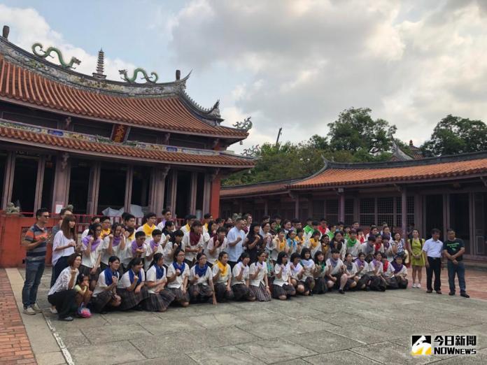 <b>光華高中</b>傳承古禮 「聞喜宴」勉十三大領域學士