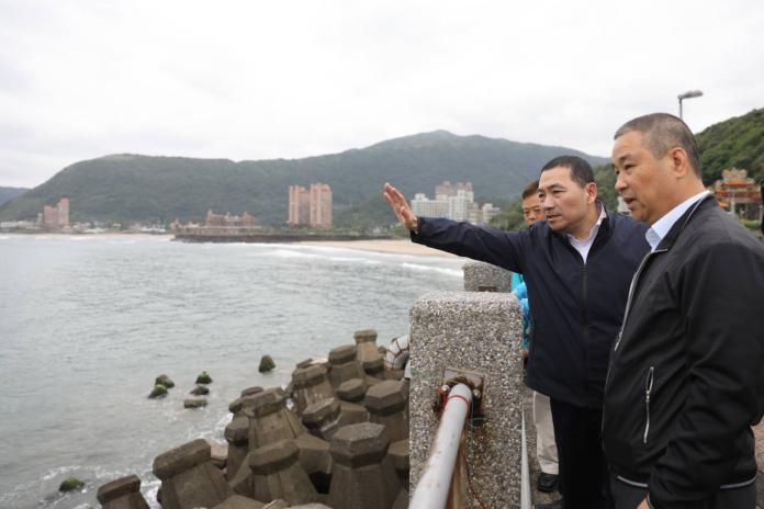 ▲侯友宜表示,未來若是上任,將會針對新北市漁港提出永續經營的方式,更重要的是部分漁港要轉型,朝觀光休閒發展。(圖/侯友宜辦公室提供)